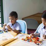Meble szkolne i przedszkolne – jakie są wymogi?